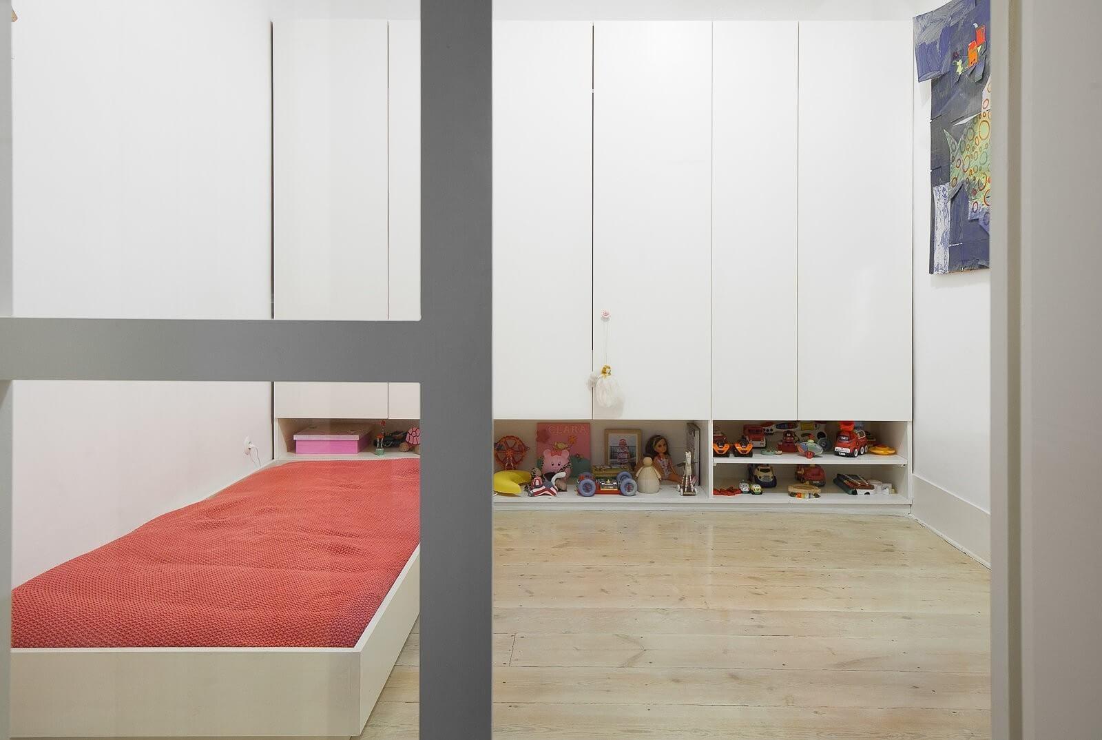 loft-lisbon-atelier-veloso-architects-24