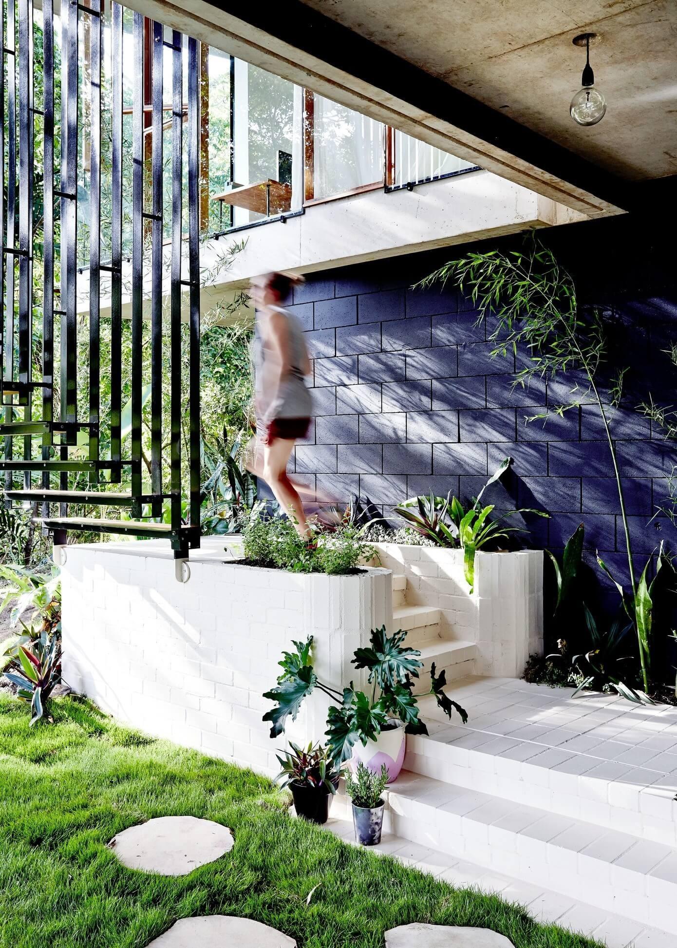 planchonella-house-jesse-bennett-architect-24