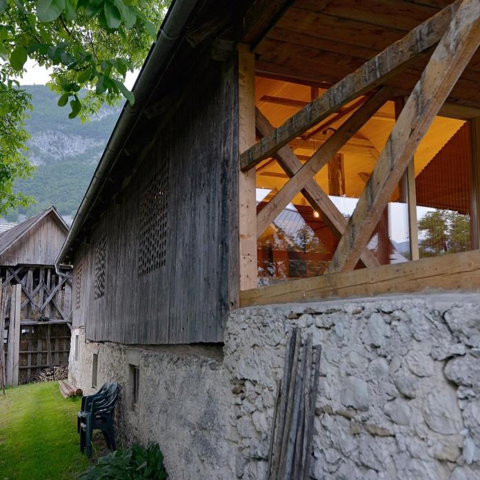 Alpine-Barn-Apartment-by-OFIS-Arhitekti-04