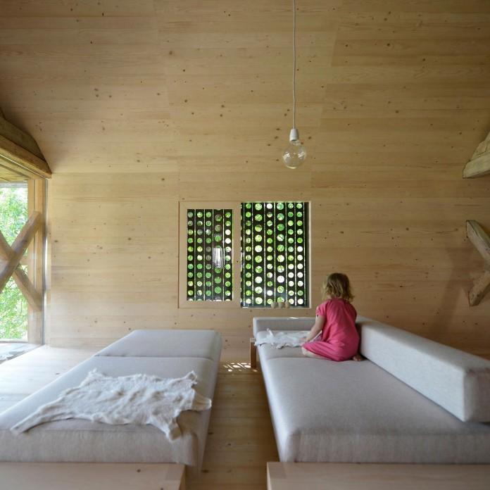 Alpine-Barn-Apartment-by-OFIS-Arhitekti-08