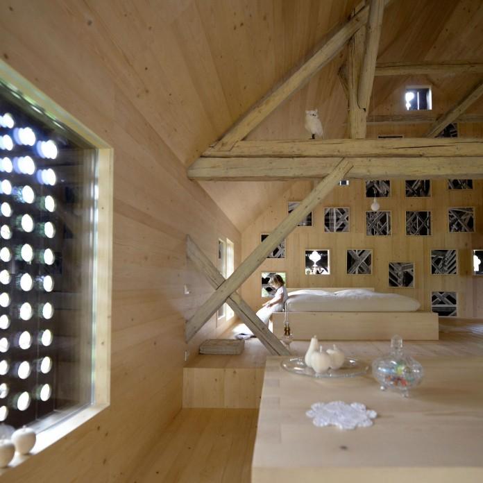 Alpine-Barn-Apartment-by-OFIS-Arhitekti-13