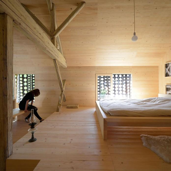 Alpine-Barn-Apartment-by-OFIS-Arhitekti-16