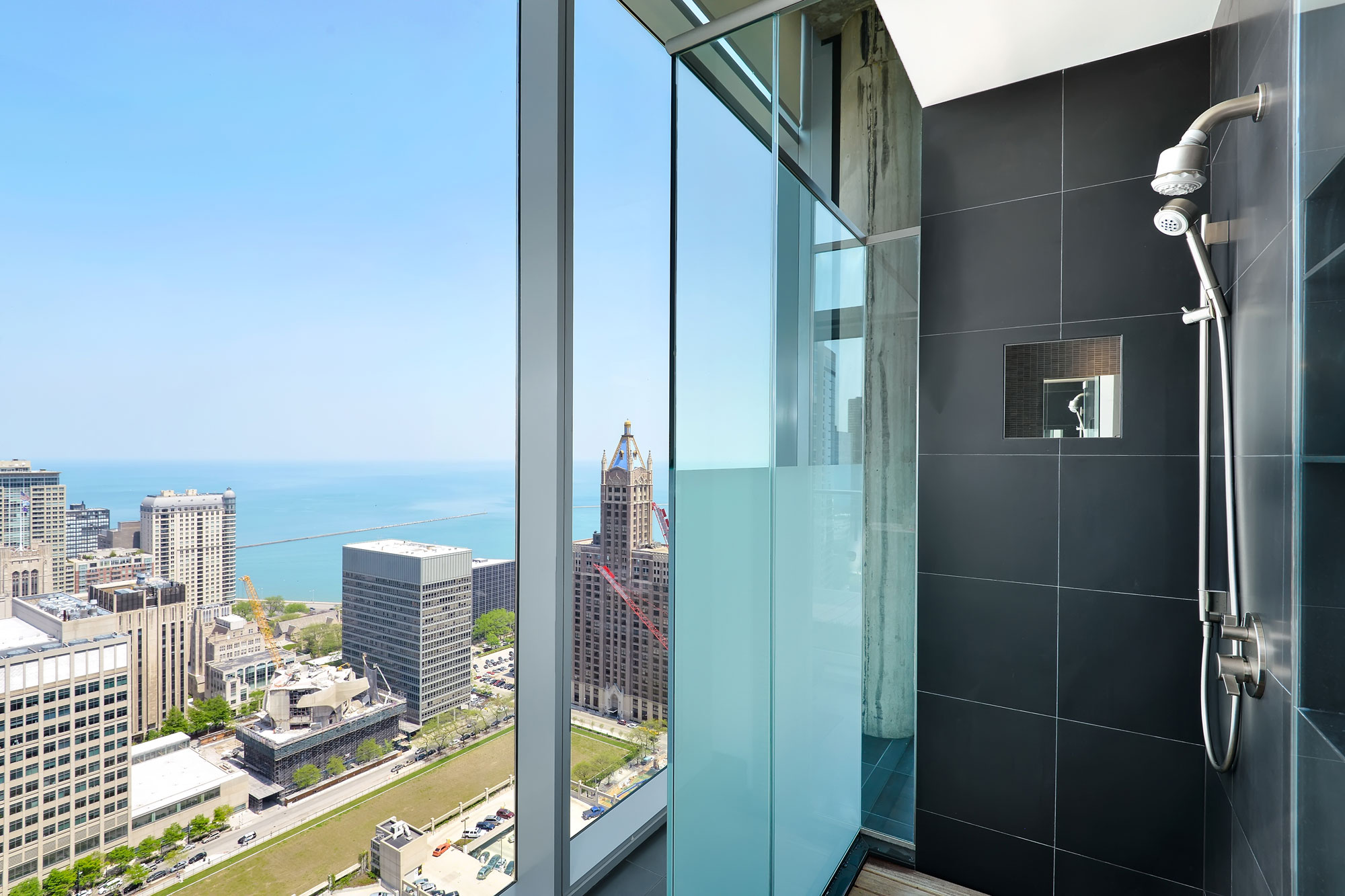 Chicago-Penthouse-19