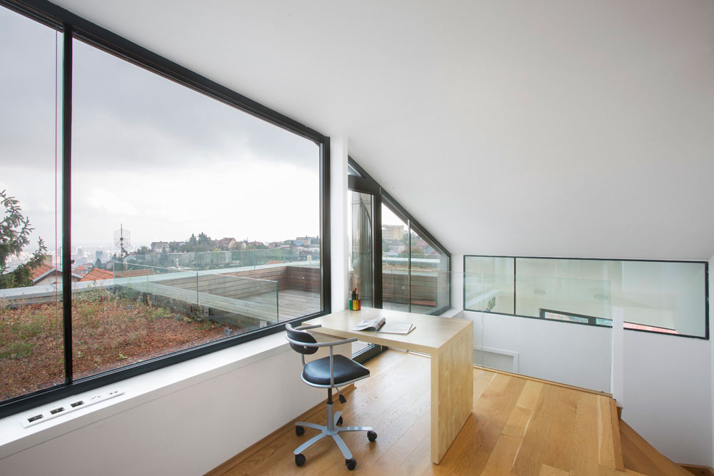 Double-View-House-17