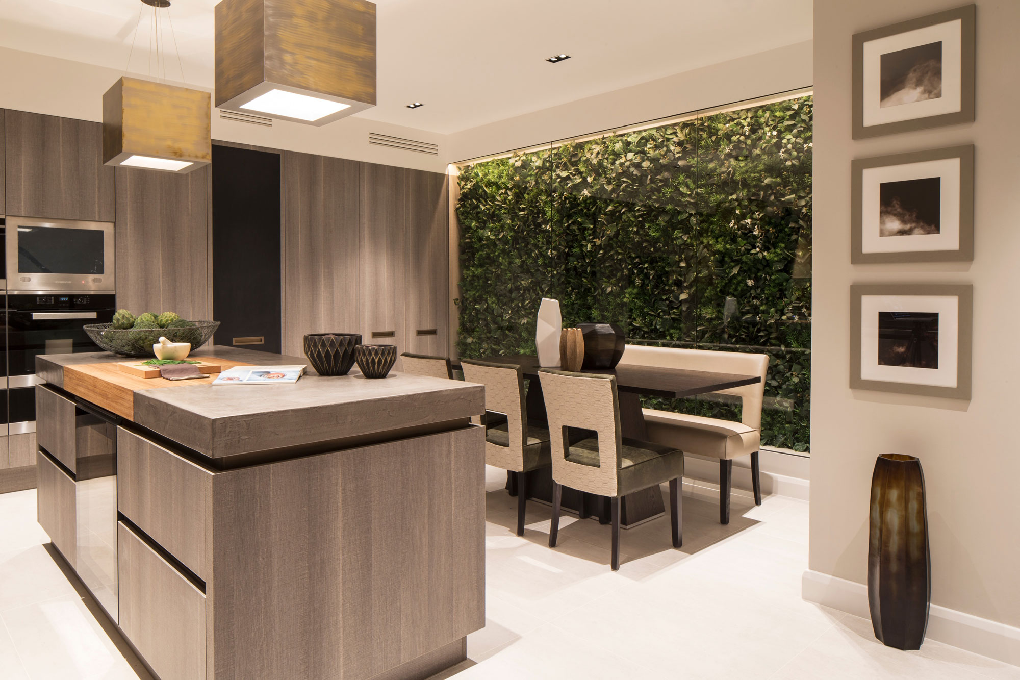 Eaton Mews North Home by Roselind Wilson Design-08