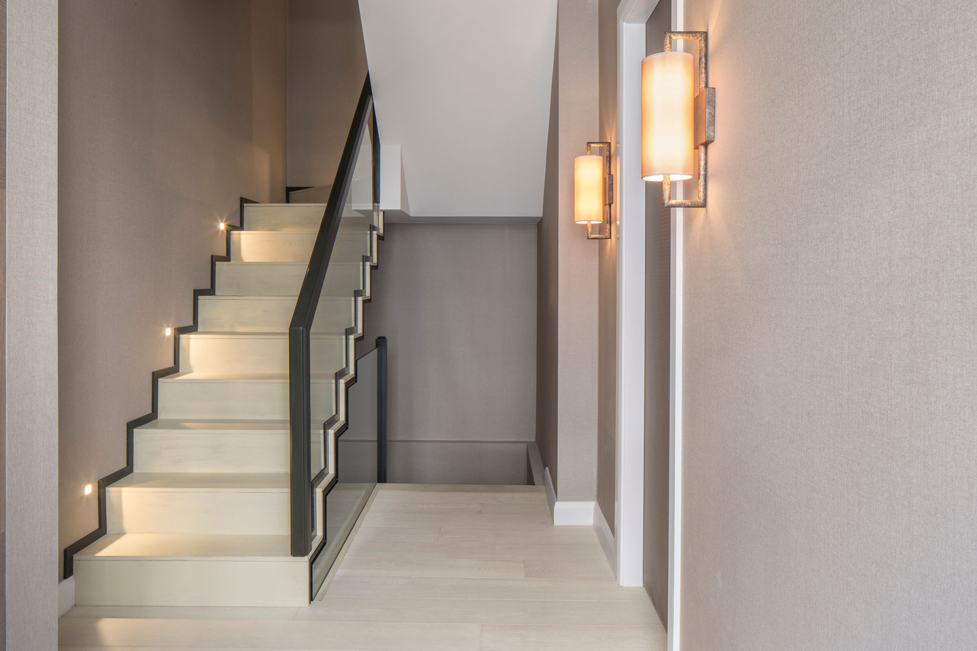 Eaton Mews North Home by Roselind Wilson Design-09