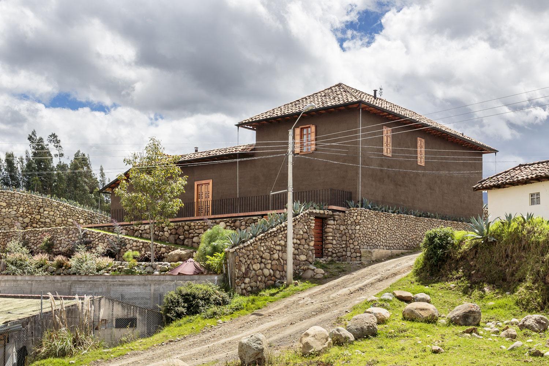 Loma House by Iván Andrés Quizhpe-01