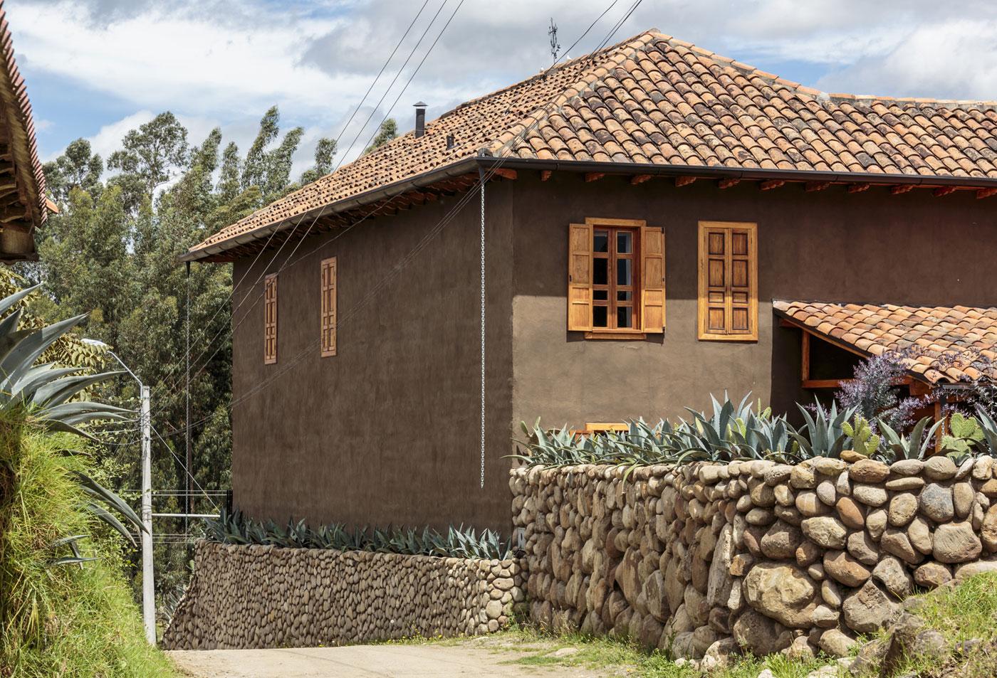 Loma House by Iván Andrés Quizhpe-02