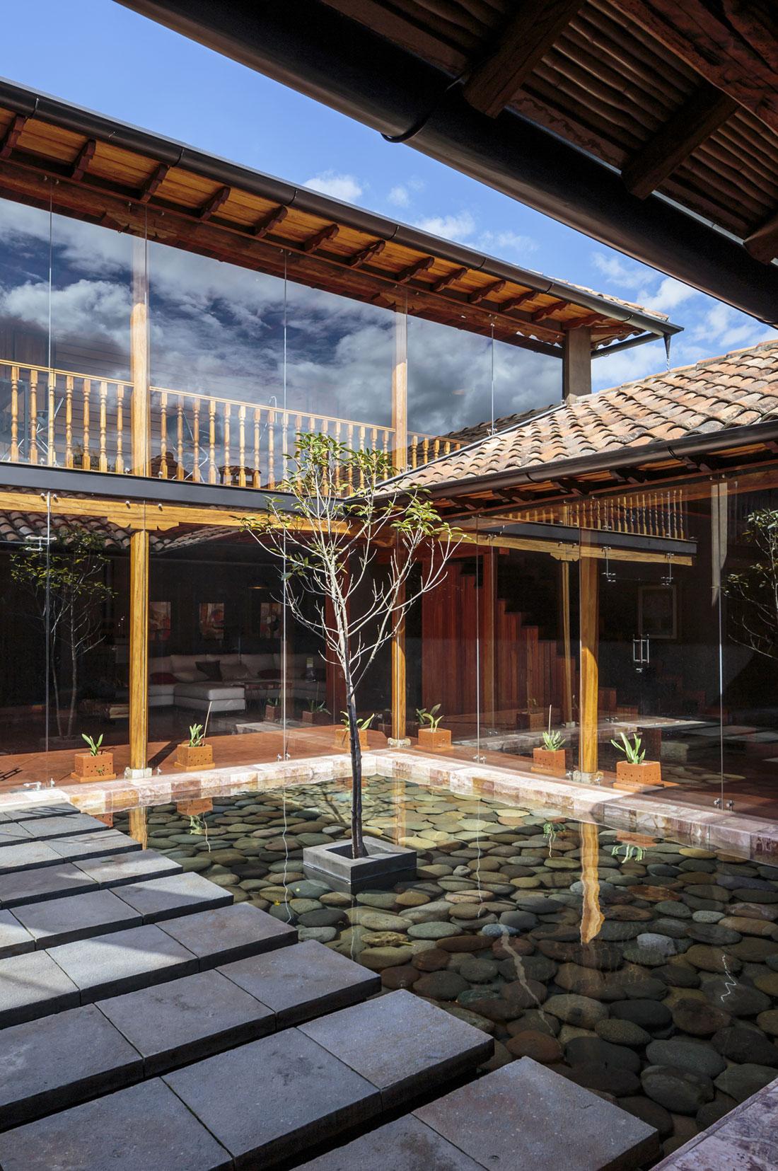 Loma House by Iván Andrés Quizhpe-06