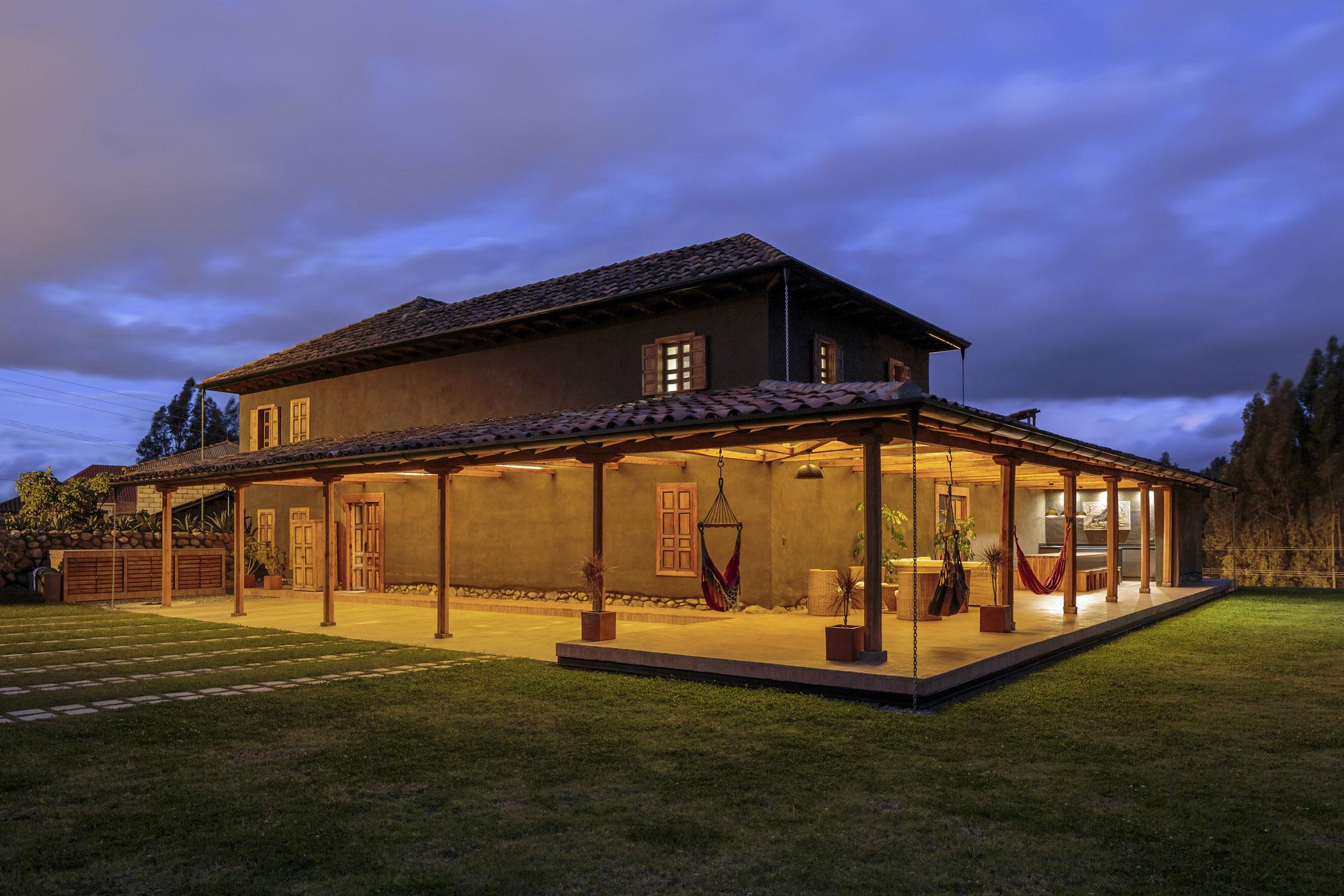 Loma House by Iván Andrés Quizhpe-16