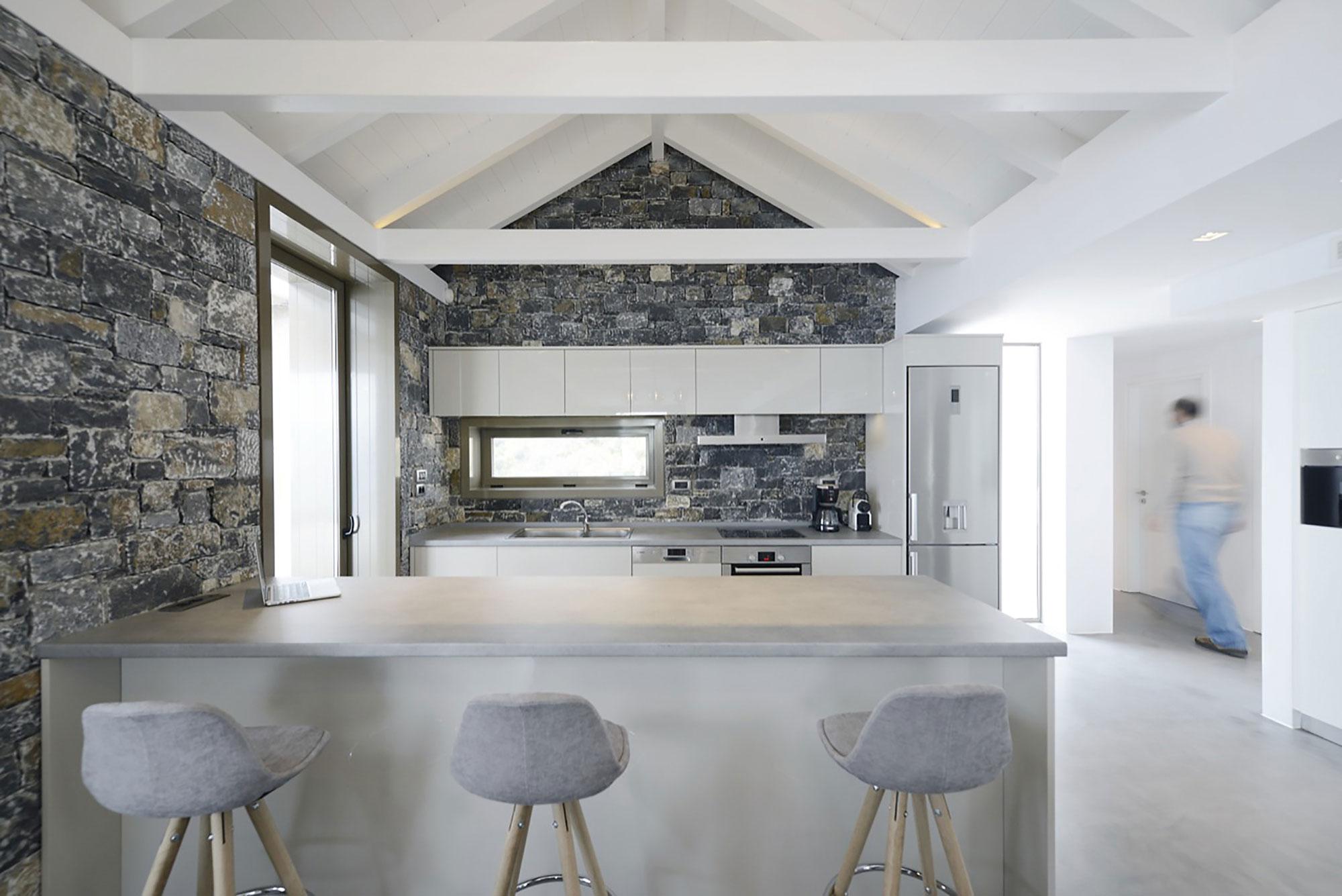 Melana Residence by Valia Foufa & Panagiotis Papassotiriou-09