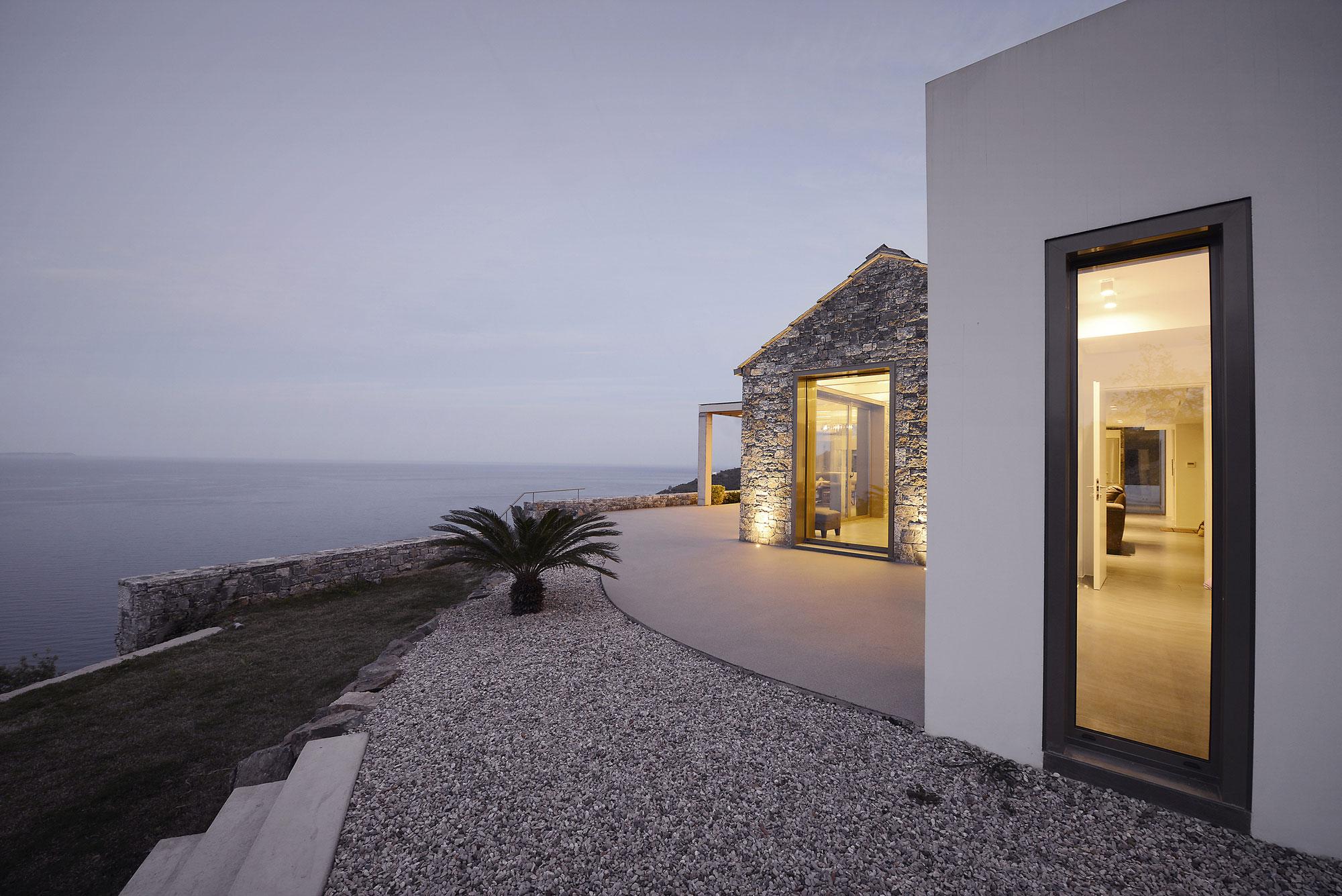 Melana Residence by Valia Foufa & Panagiotis Papassotiriou-11