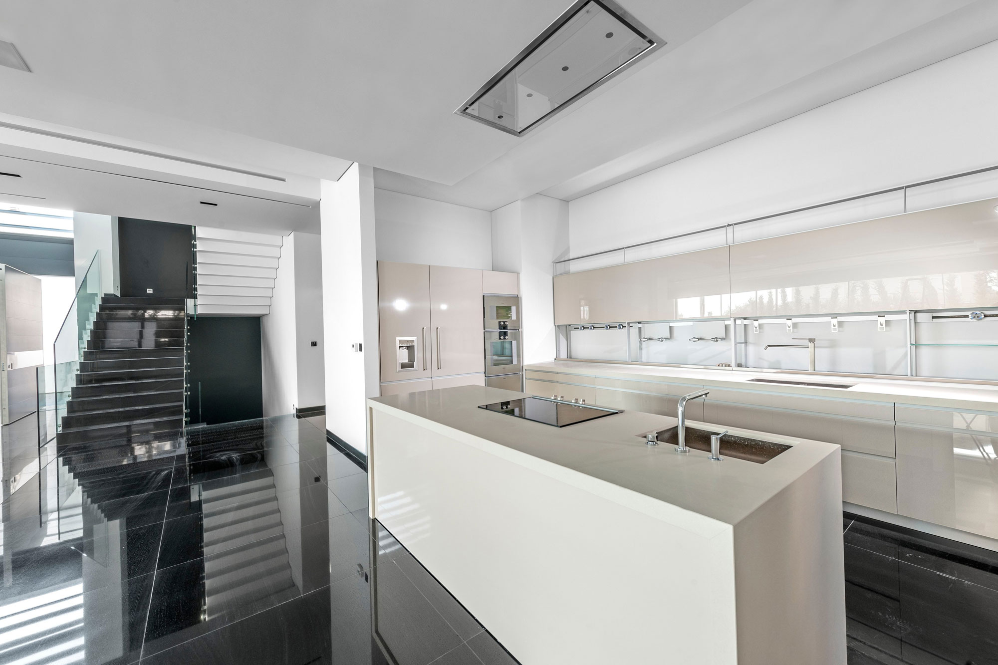 Residence-in-Glyfada-06