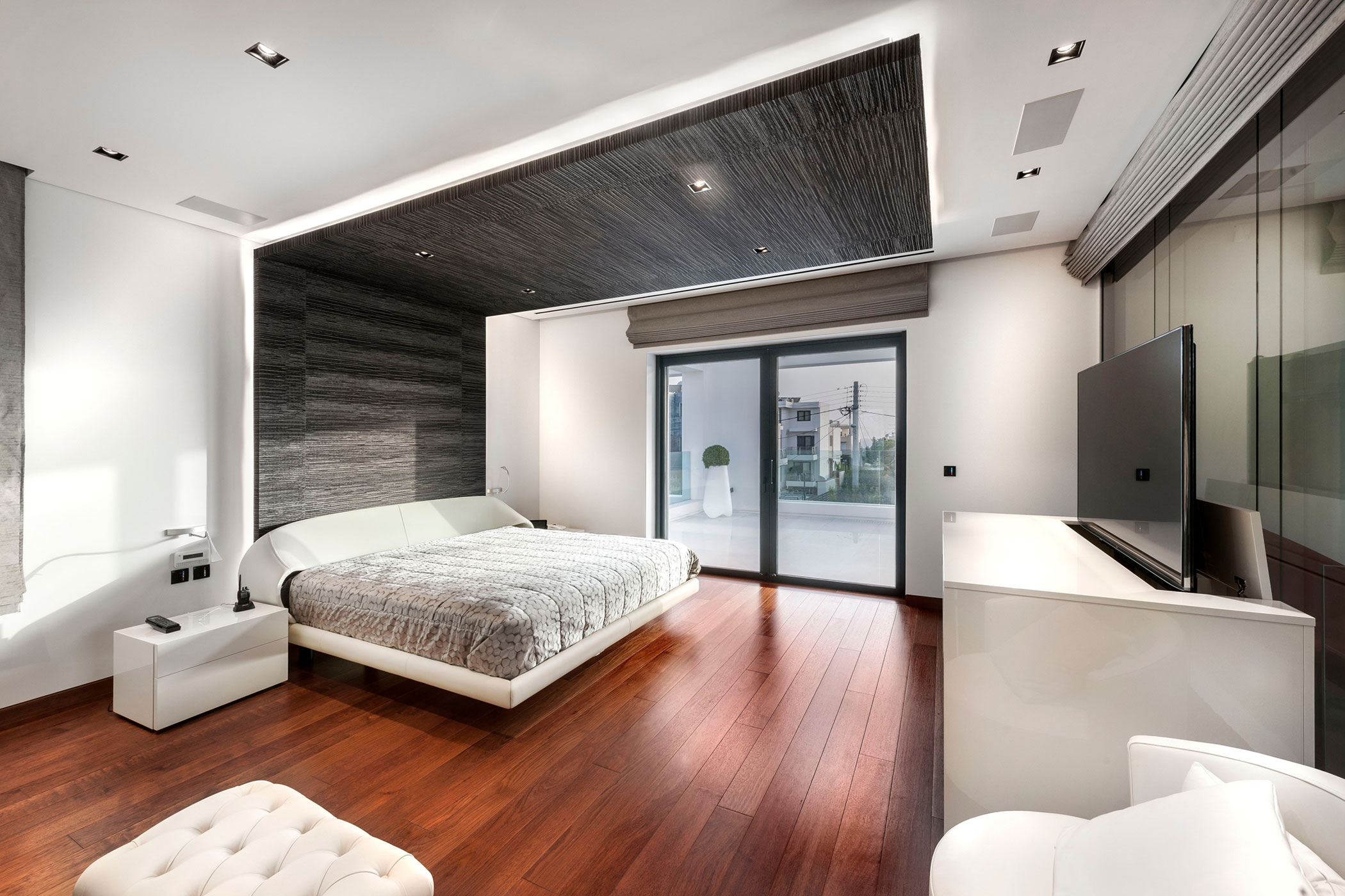 Residence-in-Glyfada-12