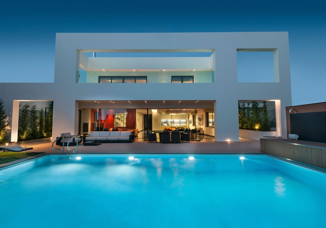 Residence in Glyfada by Dolihos Architects