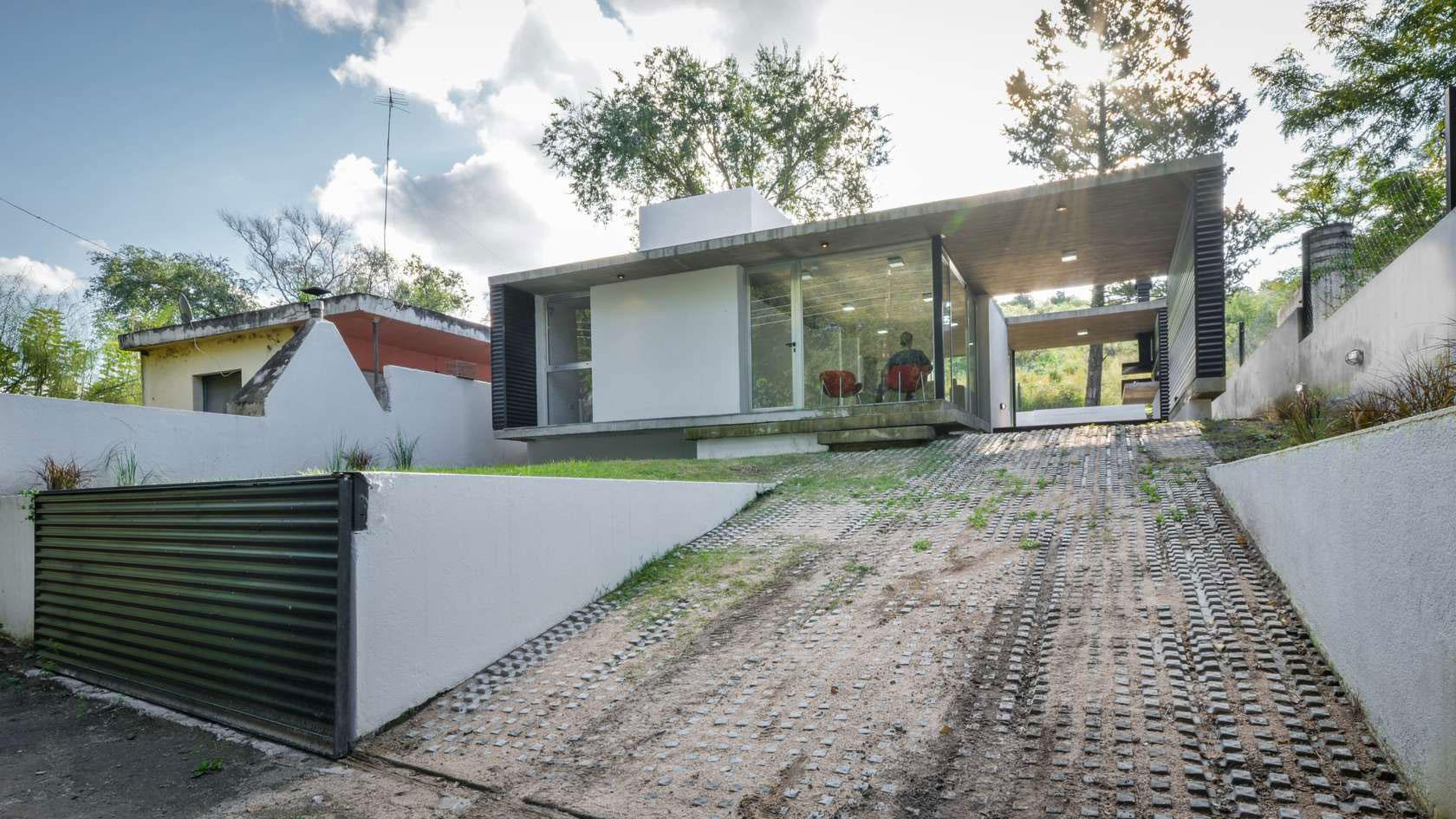 Suburban-House-01
