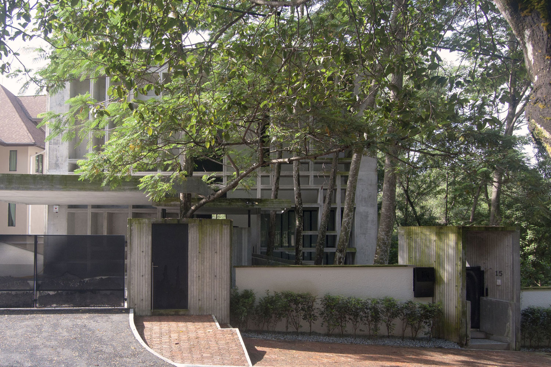 Tropical-Box-House-01