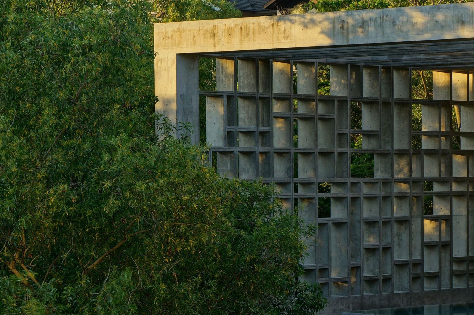 Tropical-Box-House-04
