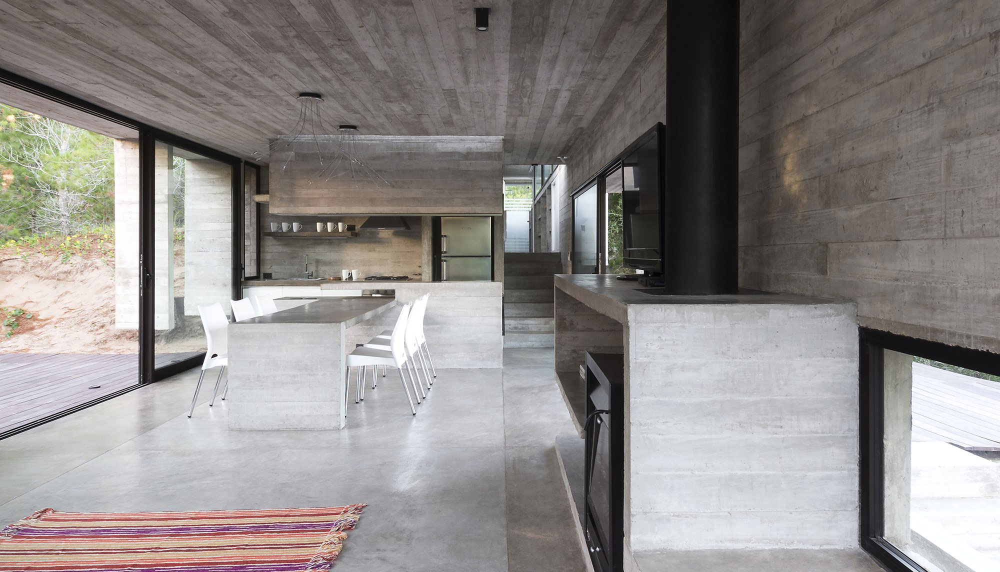Wein House by Besonias Almeida Arquitectos-08