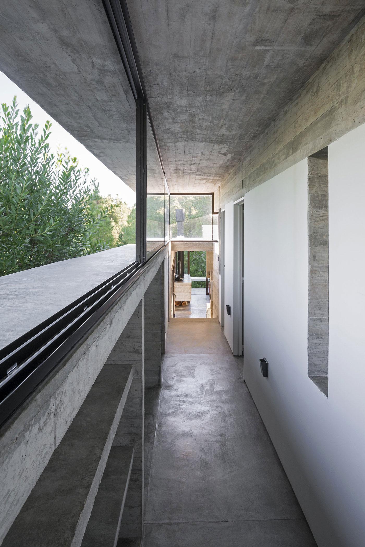 Wein House by Besonias Almeida Arquitectos-10