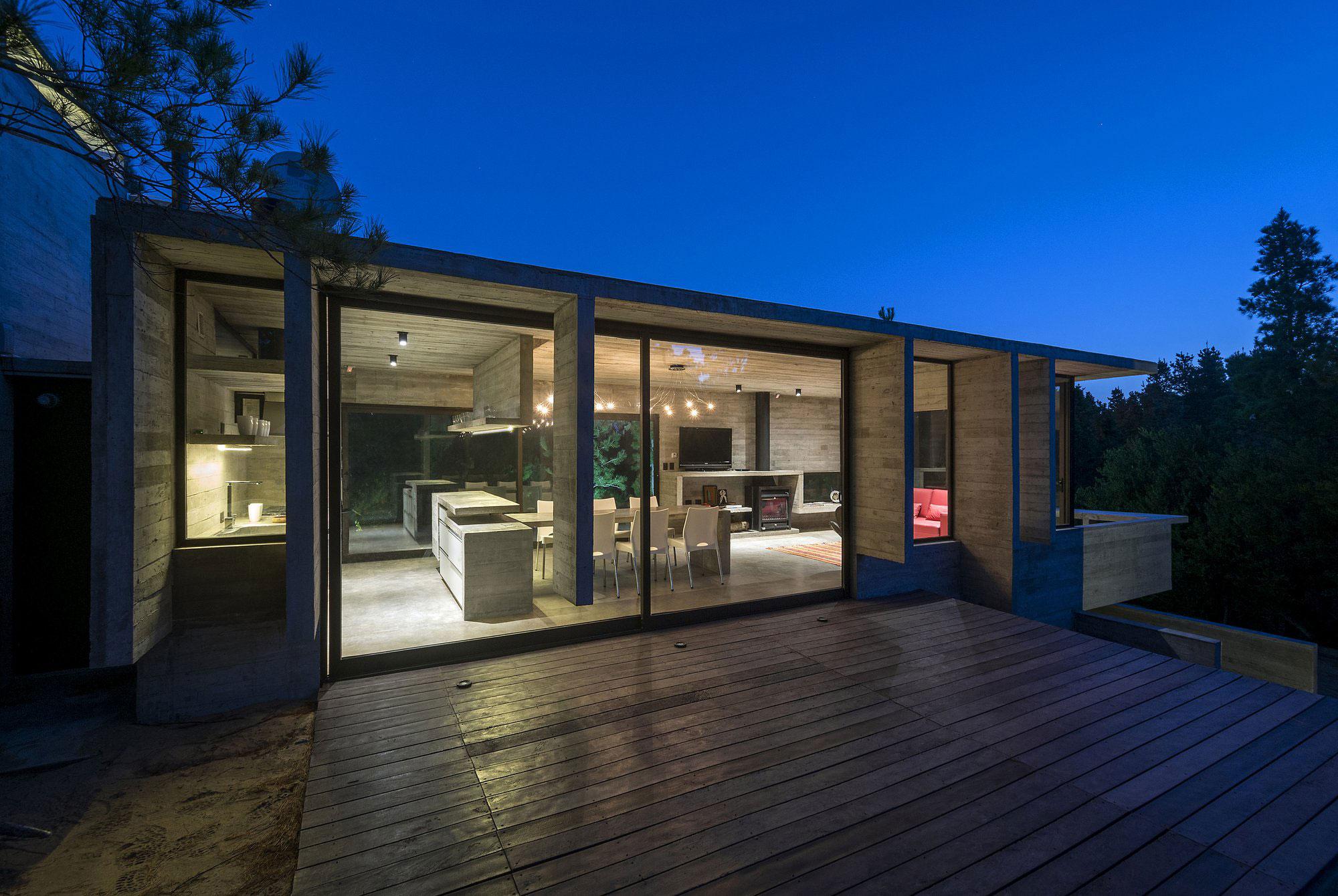 Wein House by Besonias Almeida Arquitectos-11