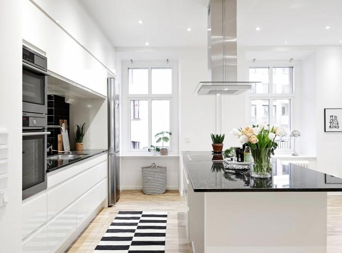 elegant-scandinavian-apartment-in-linnegatana-central-urban-district-of-gothenburg-08
