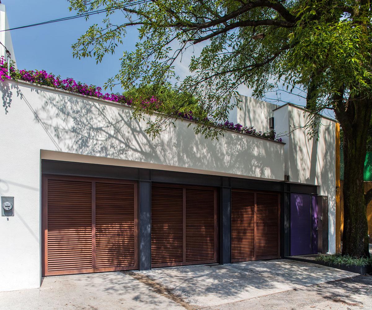 5 Courtyard Home by Almazán Arquitectos Asociados-01