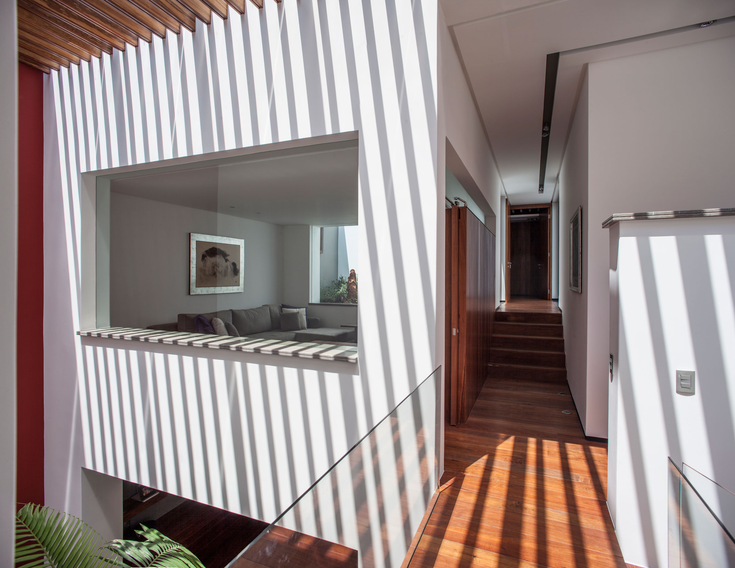 5 Courtyard Home by Almazán Arquitectos Asociados-19