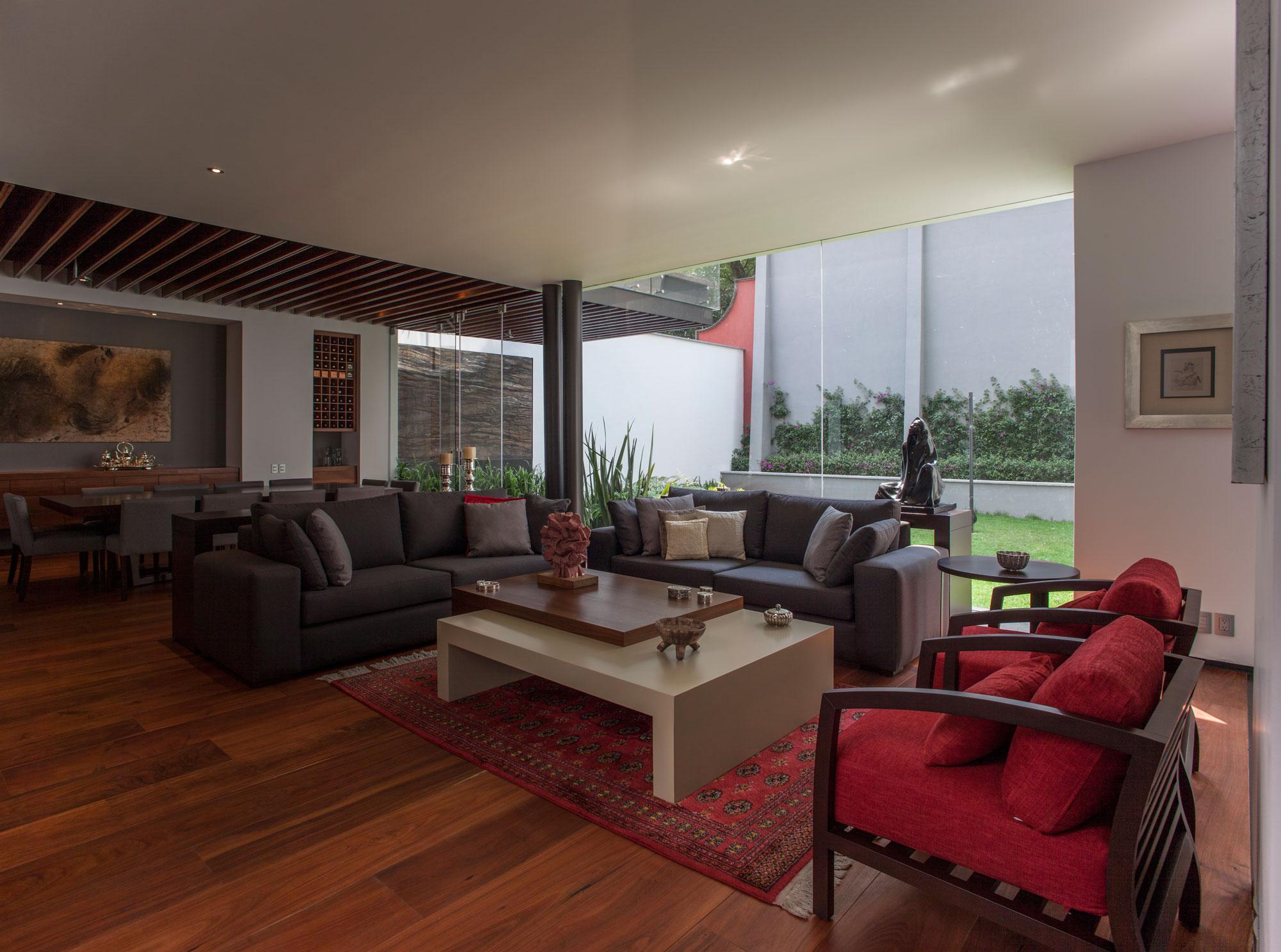 5 Courtyard Home by Almazán Arquitectos Asociados-26