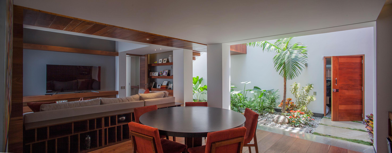 5 Courtyard Home by Almazán Arquitectos Asociados-33