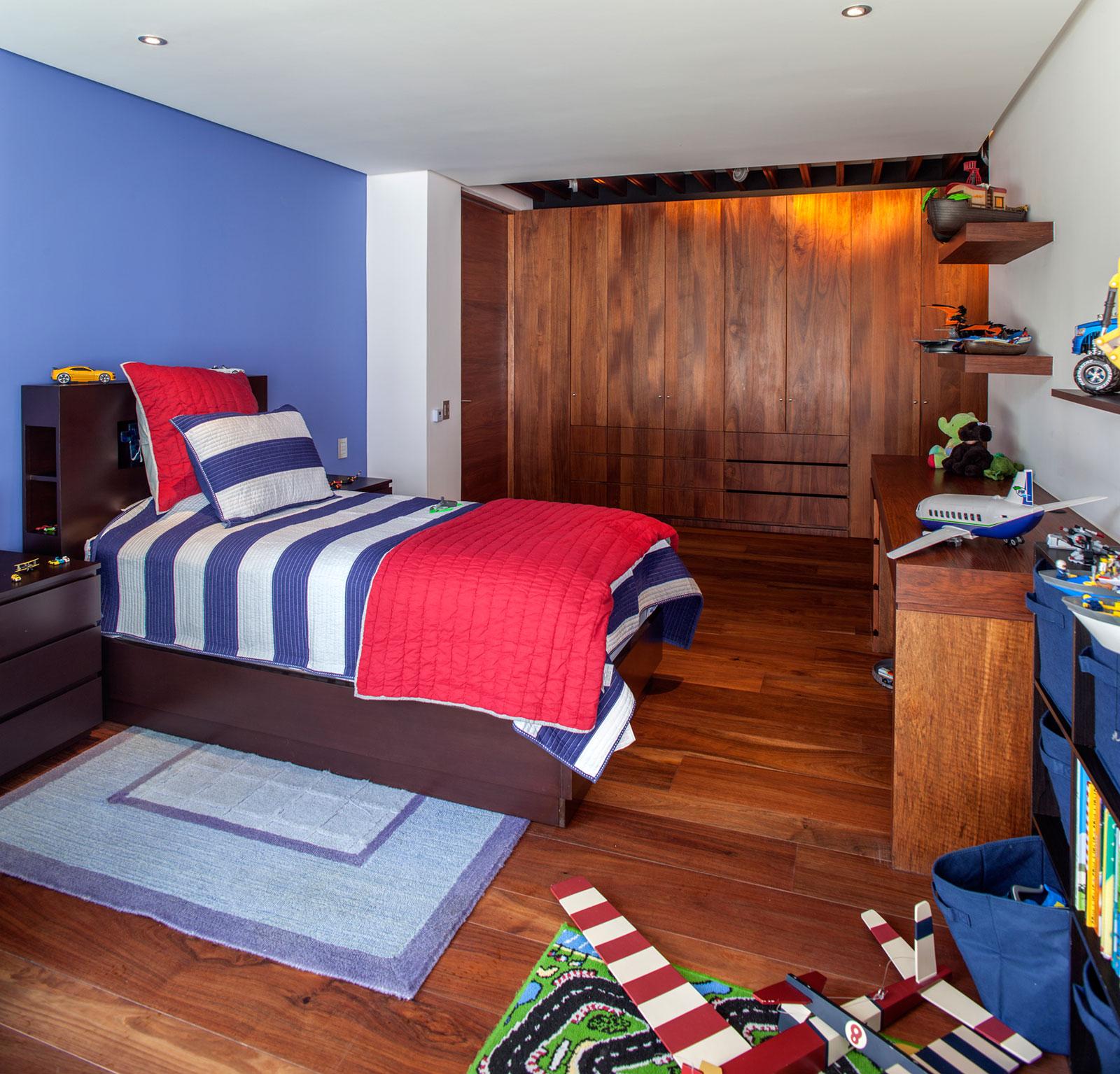 5 Courtyard Home by Almazán Arquitectos Asociados-44