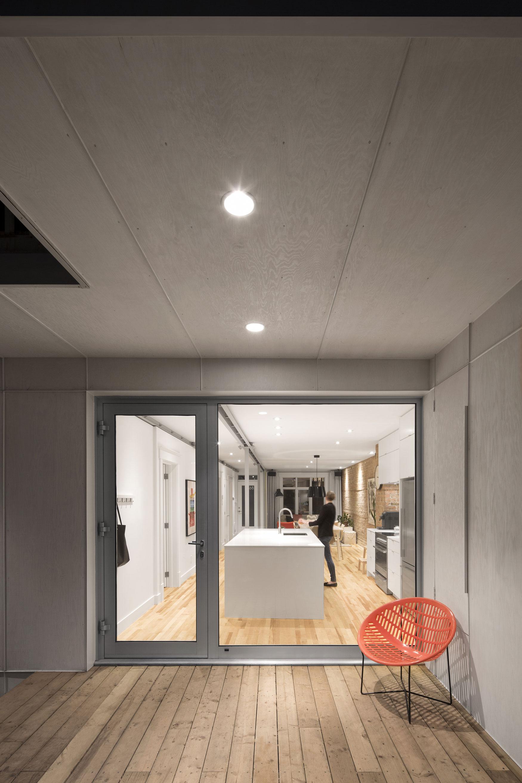 867 De Bougainville Apartment by Bourgeois/Lechasseur