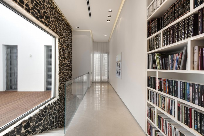 A-house-on-an-estate-in-the-Shfela-area-by-Dan-and-Hila-Israelevitz-Architects-15