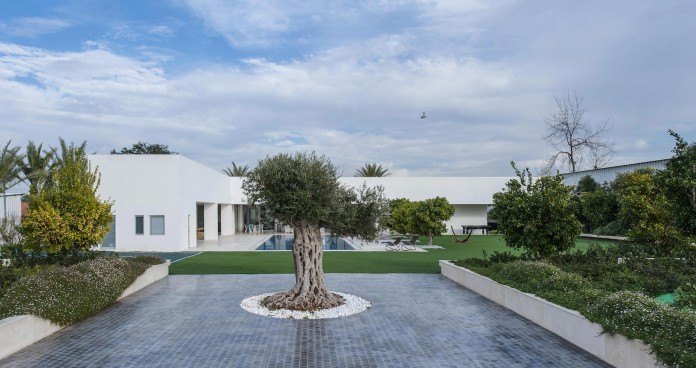 A-house-on-an-estate-in-the-Shfela-area-by-Dan-and-Hila-Israelevitz-Architects-23