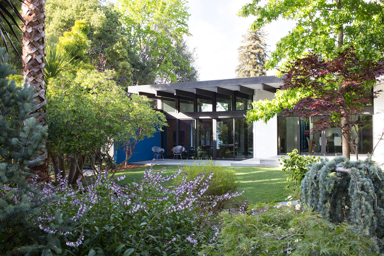 Atrium House, a Mid-century Architecture Residence by Klopf Architecture-‏01