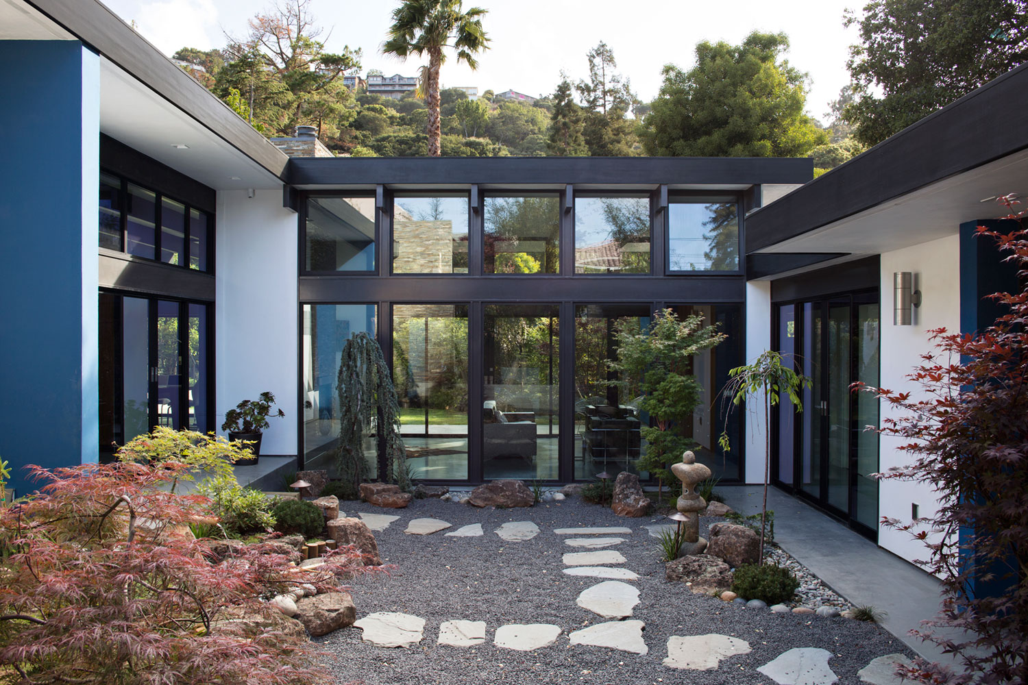Atrium House, a Mid-century Architecture Residence by Klopf Architecture-‏03