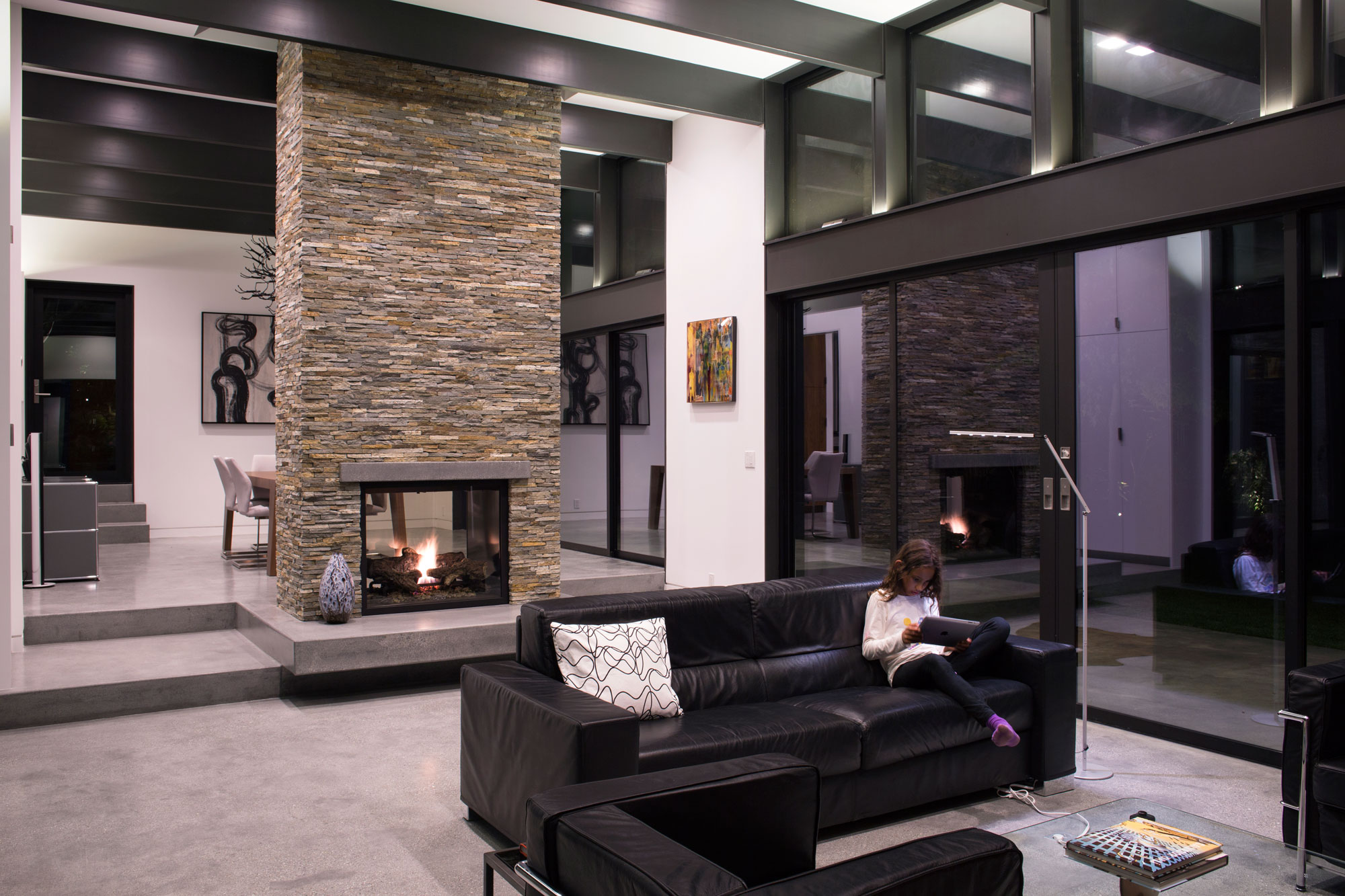 Atrium House, a Mid-century Architecture Residence by Klopf Architecture-‏26
