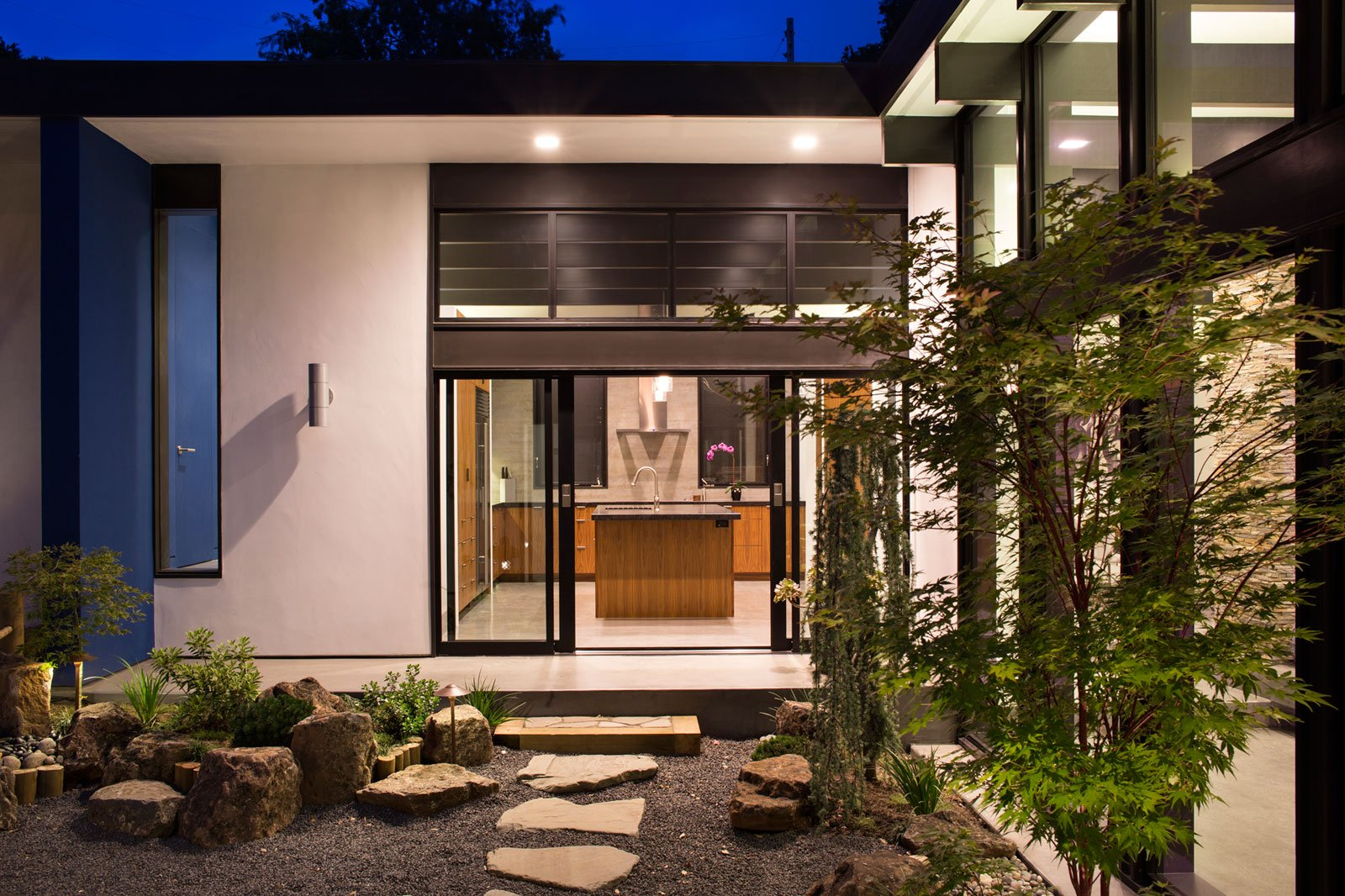 Atrium House, a Mid-century Architecture Residence by Klopf Architecture-‏28