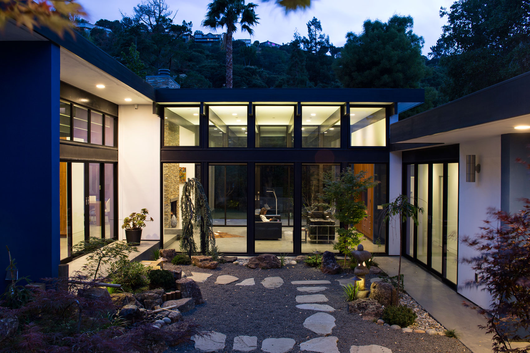 Atrium House, a Mid-century Architecture Residence by Klopf Architecture-‏29