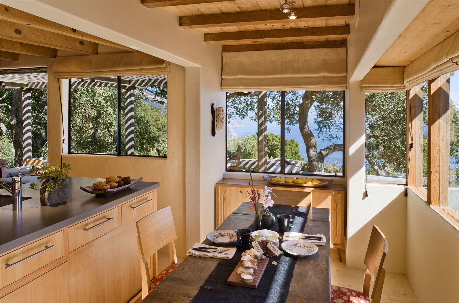 Big Sur Cabin with Mid-Century Accent Pieces and Earth Tone Palette by Studio Schicketanz-10