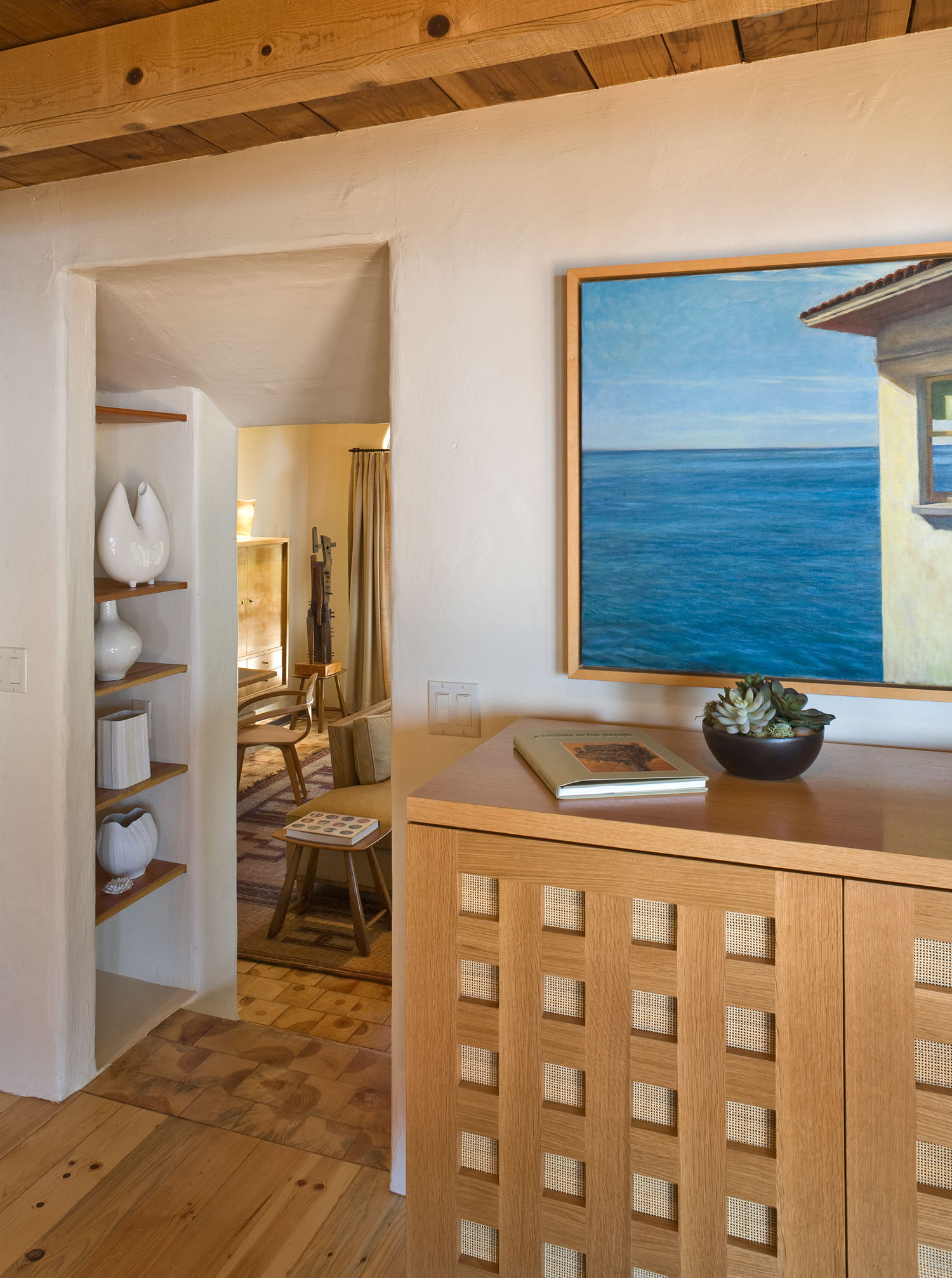 Big Sur Cabin with Mid-Century Accent Pieces and Earth Tone Palette by Studio Schicketanz-11
