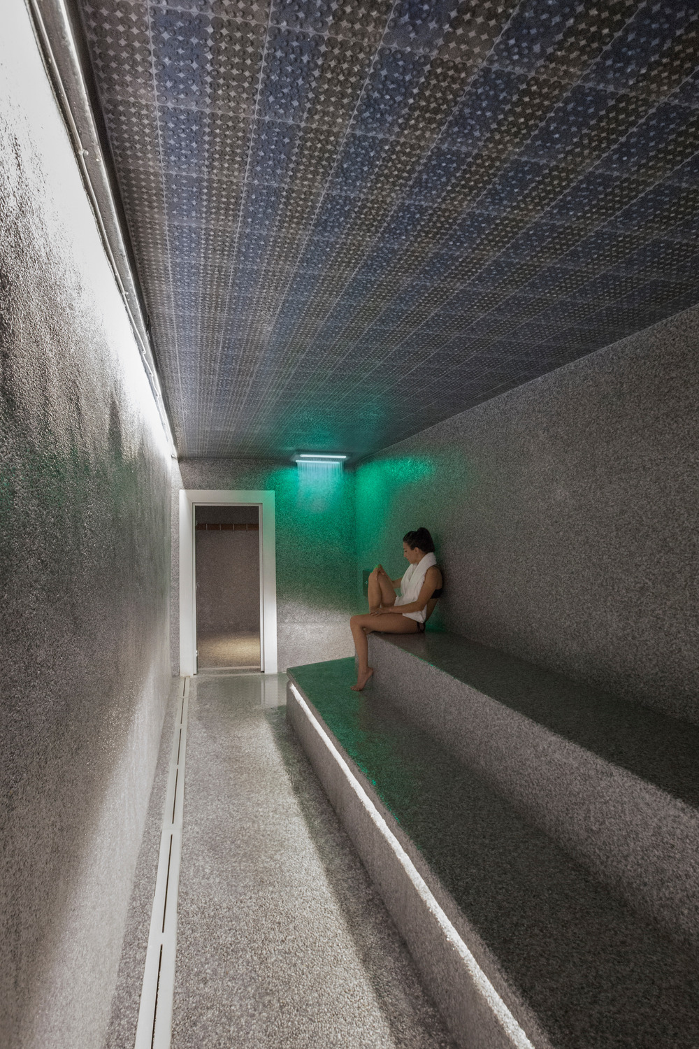 Bota Bota Gardens Located in the heart of Old Montreal by MU Architecture-14