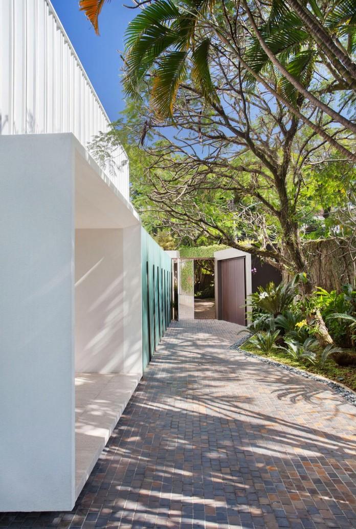 Brise-House-in-Rio-de-Janeiro-by-Gisele-Taranto-Arquitetura-02
