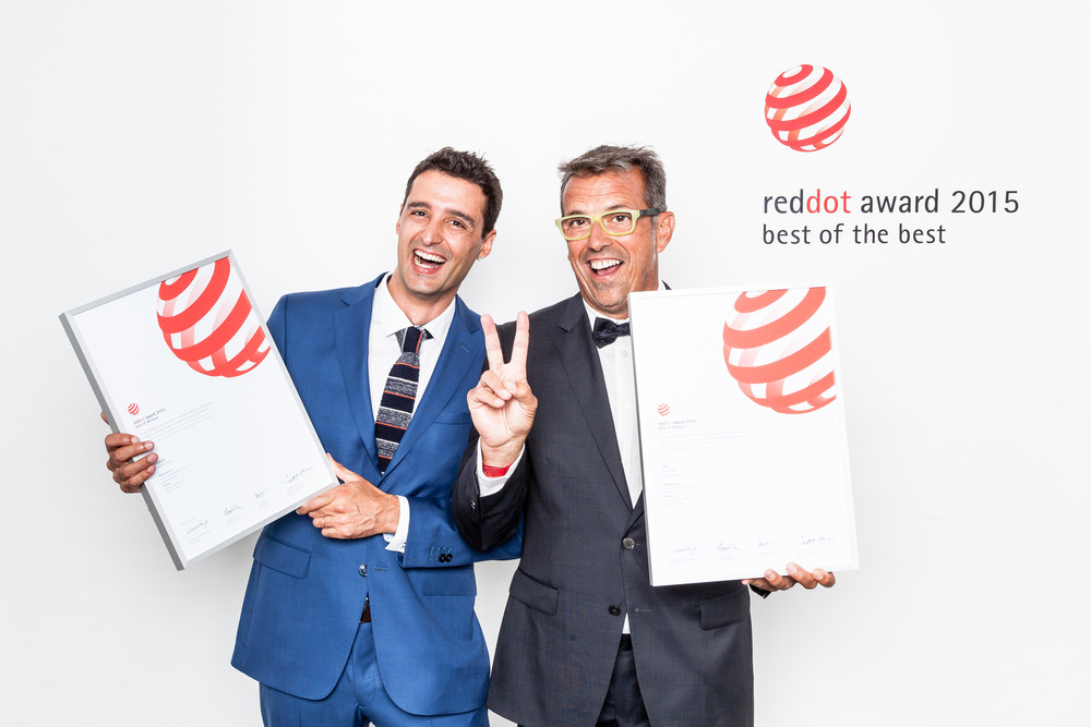 Calma won the Red Dot award: Best of the Best 2015 for the design of OM sunshade-15