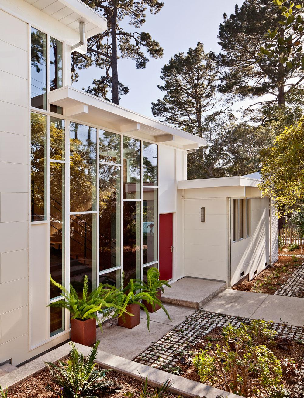Carmel Mid-Century LEED Home by Studio Schicketanz-04