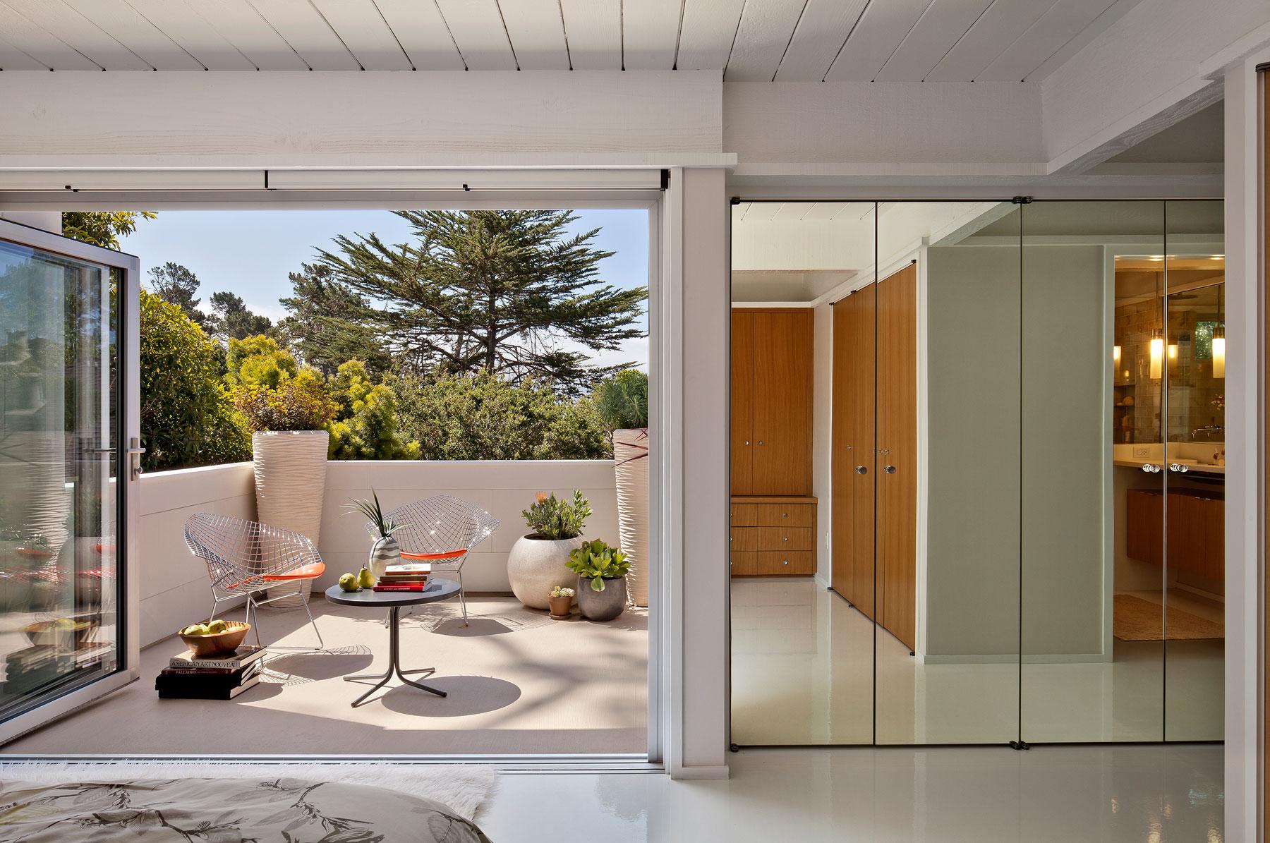 Carmel Mid-Century LEED Home by Studio Schicketanz-07