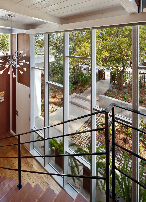 Carmel Mid-Century LEED Home by Studio Schicketanz-12