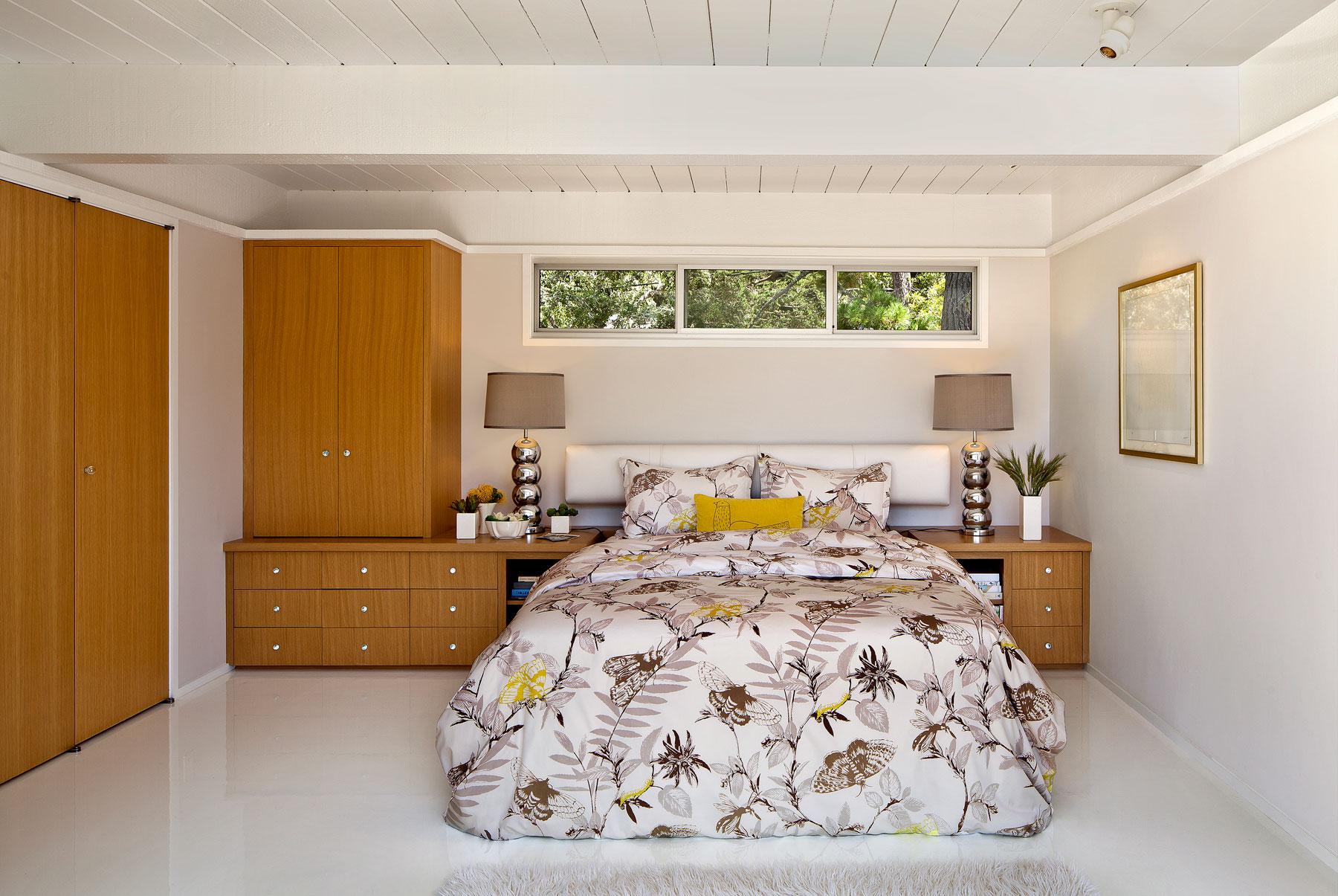 Carmel Mid-Century LEED Home by Studio Schicketanz-13