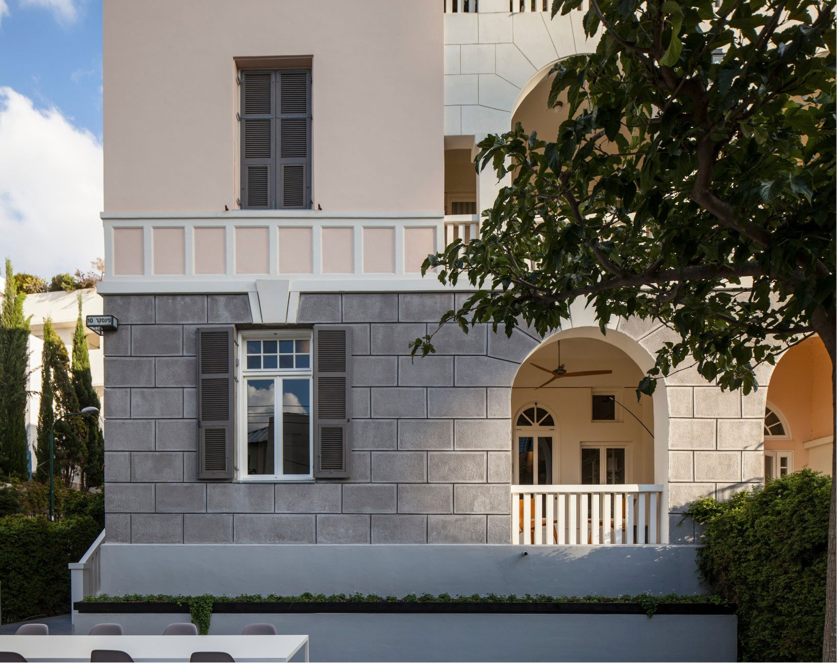 Combination of Modern Design and Neo-Classical Structure of a Historical Apartment in the Heart of Tel Aviv by Pitsou Kedem Architects-01