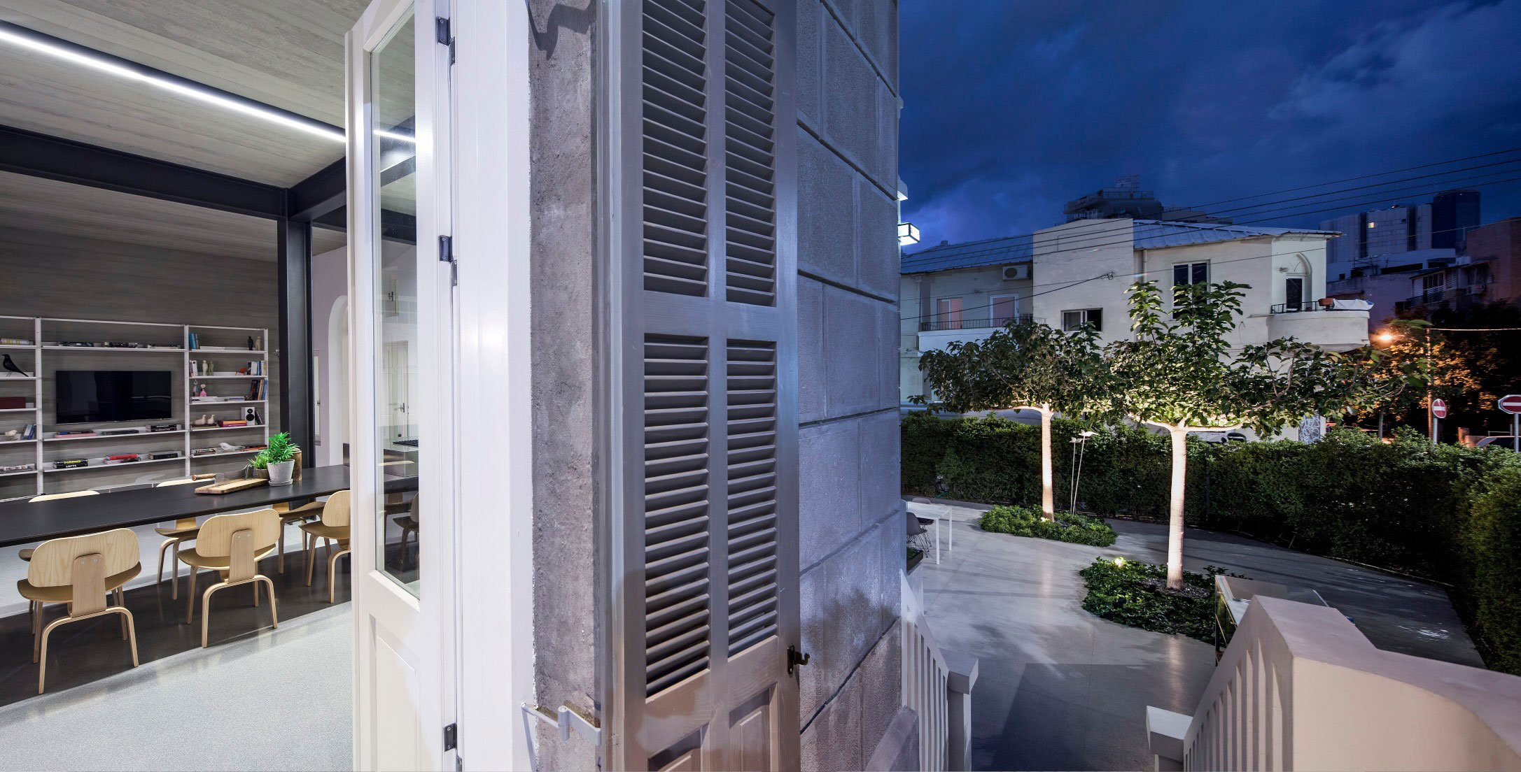 Combination of Modern Design and Neo-Classical Structure of a Historical Apartment in the Heart of Tel Aviv by Pitsou Kedem Architects-29